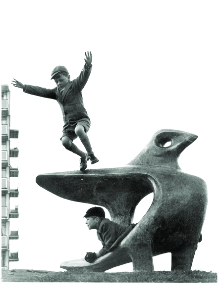 John Bridgeman Play-sculpture, Mill Pool Hill Estate, ca 1959